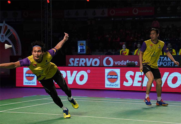 Hendra Setiawan & Mohammad Ahsan in action during 2018/2019 Premier Badminton League (PBL) final. (photo: PBL)