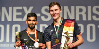 Viktor Axelsen (R) beats Kidambi Srikanth to win the 2019 India Open title. (photo: STR/AFP/Getty Images)