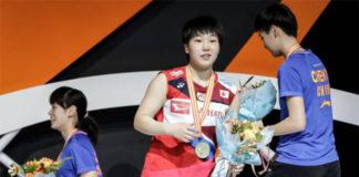 Akane Yamaguchi eases past He Bingjiao in 2019 Badminton Asia Championships final. (photo: Wang He/Getty Images)