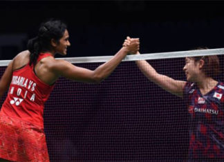 PV Sindhu (L) and Nozomi Okuhara meet in historic World Championships rematch. (photo: AFP)