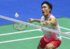 Kento Momota shows strong mental strength to beat Chen Long in the China Open semi-final. (photo: Xinhua)
