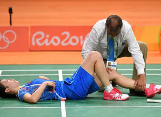 This was the injury that pretty much ended Li Xuerui's badminton career. (photo: AFP)