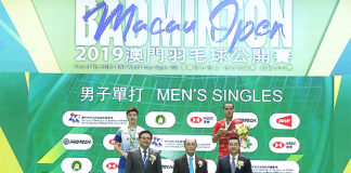 Sitthikom Thammasin (red jersey) wins the 2019 Macau Open title.