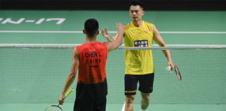 Lin Dan thanks Chen Long after the Fuzhou China Open first round match. (photo: Xinhua)