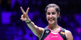 Carolina Marin claims the 2019 Syed Modi Super 300 title. (photo: Shi Tang/Getty Images)