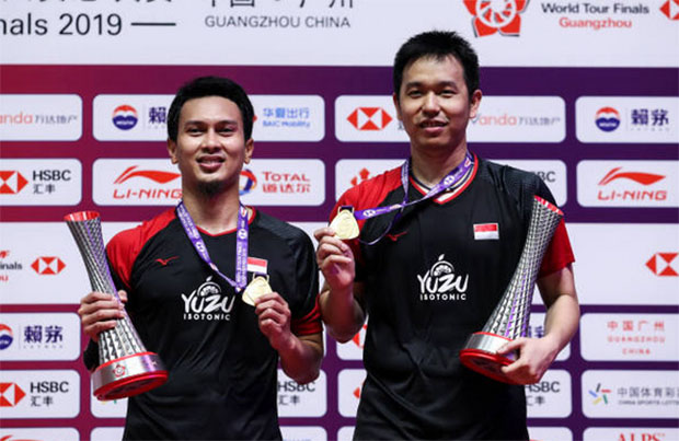 Mohammad Ahsan/Hendra Setiawan win their third BWF Finals title. (photo: Shi Tang/Getty Images)