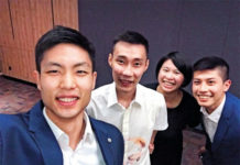 Chou Tien Chen and Lee Chong Wei have dinner together in Malaysia. (photo: Chou Tien Chen)