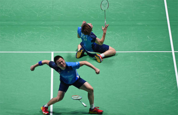 Aaron Chia (front) feeling positive about the 2020 Badminton Asia Team Championships. (photo: AFP)