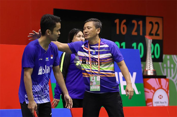 Hendry Saputra (R) tests negative for COVID-19. (photo: PBSI)