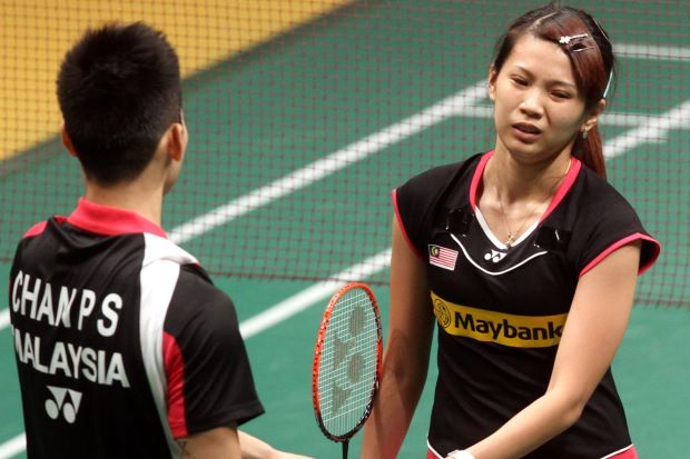 The 24-year-old Goh Liu Ying has finally decided to go for a surgery to treat her nagging knee problems that'll keep her out of competition for a minimum of six months.