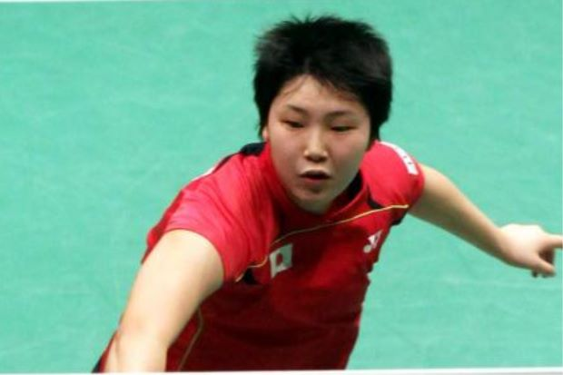 Akane Yamaguchi beat Thailand's Ratchanok Intanon 21-18, 23-25, 21-16 in the first round of the Maybank Malaysian Open on Jan 15, 2014.