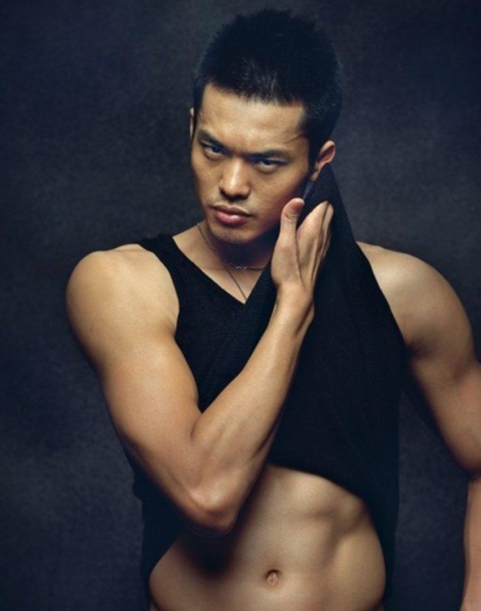 I wish I can replace my beer belly with Lin Dan's six pack abs