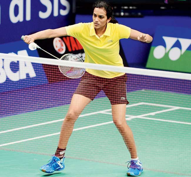 Sindhu looking to repeat Saina Nehwal's 2010 show at Glasgow Commonwealth Games