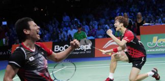 Ko Sung-hyun and Shin Baek-choel stuns Lee Yong-dae and Yoo Yeon-seong in the World Championships final