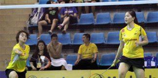 Vivian Hoo (left) and Ng Hui Lin in Korea Open semi-final