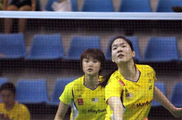 Vivian Hoo (behind) and Ng Hui Lin lost in the semi-final of Korean Open