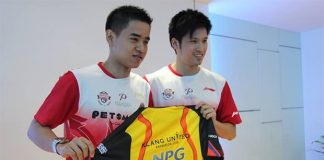 Simon Santoso (left) and Derek Wong are playing for Klang United BC at the Purple League