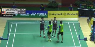 Goh V Shem (black shirt, right), Tan Wee Kiong shaking hands with their Taiwanese opponents at the end of the match