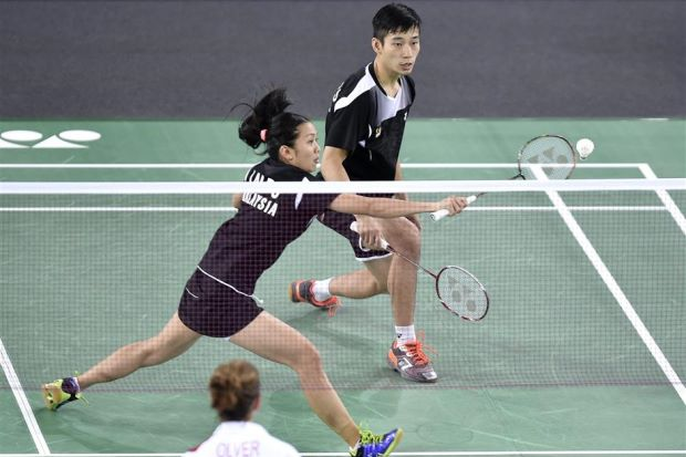 Wish Lai Pei Jing (left) and Chan Peng Soon good luck at India Masters