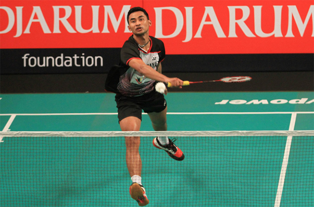 Jaya Raya Jakarta's Tommy Sugiarto in action at the 2015 Djarum Superliga in Bali on Monday. (Photo courtesy of PBSI)