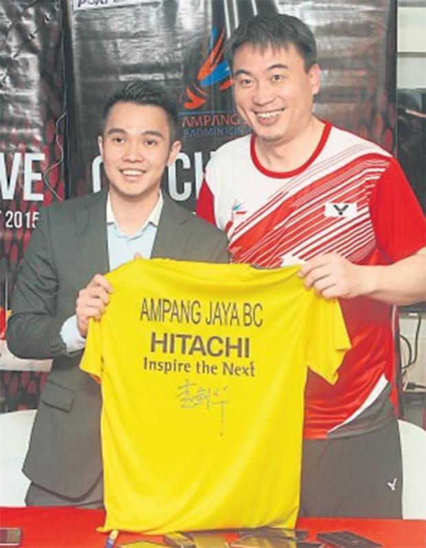 Zhao Jiang Hua (right) and Ho Khek Mong of Ampang Jaya Badminton Club