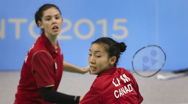 Michelle Li (right) takes on own doubles partner Rachel Honderich (left) in Pan Am final. (photo: Getty Images)