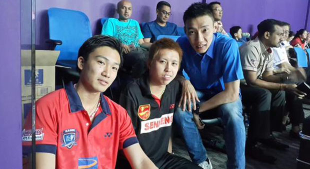 Kento Momota (left) sets up Lee Chong Wei (right) clash at Purple League. (photo: Purple League)