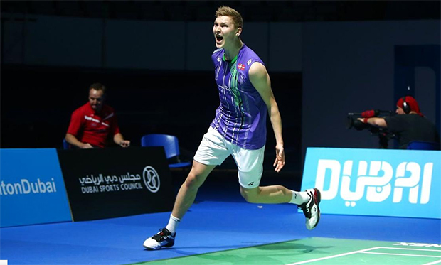 Viktor Axelsen lets out a roar after beating Chen Long for the first time in his career. (photo: Marwan Naamani)