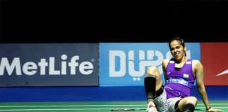 Saina Nehwal suffers foot injury at the 2015 Dubai World Superseries finals.