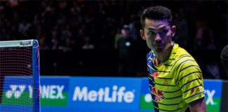 Lin Dan and Xue Song in the All England semi-finals. (photo: AFP)