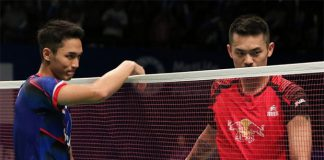 Jonatan Christie greets his idol Lin Dan after their Indonesia Open second round match. (photo: PBSI)