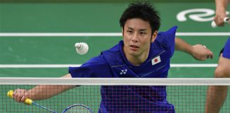 The good-looking Kenichi Hayakawa should consider a career in acting after badminton. (photo: AP)