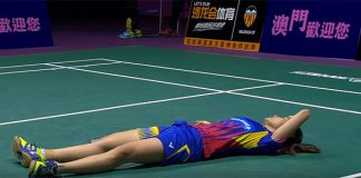 Lai Pei Jing lies on court after failing to return the match point shot from Tse Ying Suet.
