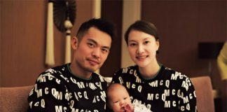 Lin Dan & Xie Xingfang & their families members gather together for a reunion dinner on New Year's Eve.