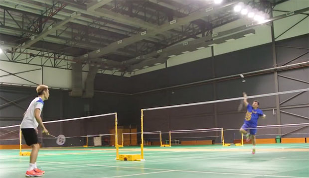 Lee Chong Wei was sparring with his coach Tey Seu Bock. (photo: A18)