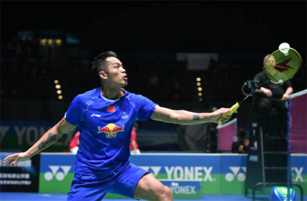 Lin Dan tries to find his way to return to competitive badminton. (photo: AFP)