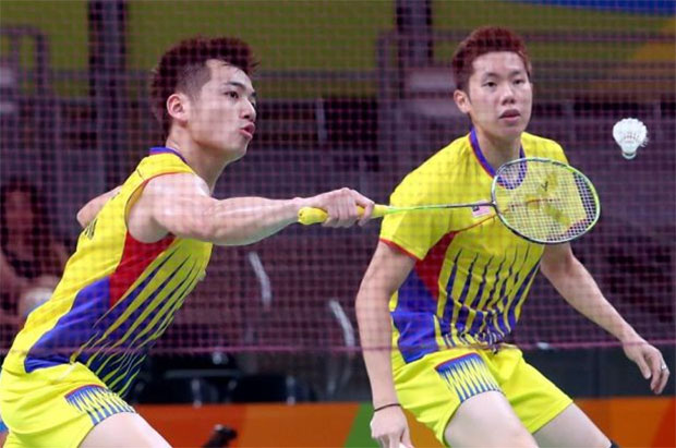 Goh V Shem/Tan Wee Kiong need to reevaluate every aspect of their game in order to get back stronger. (photo: AFP)