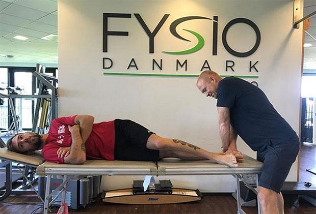 Jan Jorgensen receives treatment on his heel. (Jan Jorgensen's Facebook)