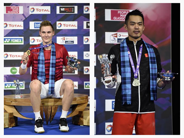 Viktor Axelsen poses with Lin Dan on the podium after winning the 2017 men's singles World Champion. (photo: AP)