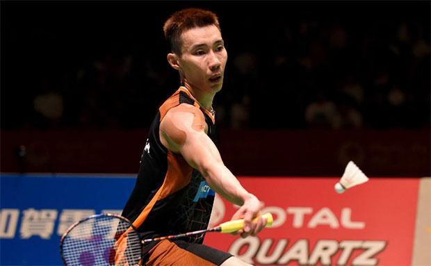 Lee Chong Wei returns a shot in the 2017 Japan Open final. (photo: AP)