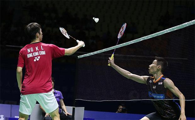 Angus Ng Ka Long tries to block a shot from Lee Chong Wei during the China Open quarter-finals. (photo: AP)