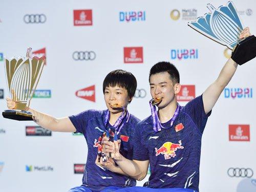 Zheng Siwei/Chen Qingchen defend mixed doubles title at Dubai World Superseries 2017. (photo: AP)