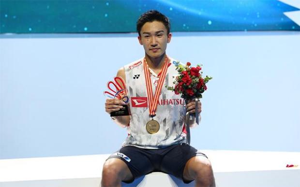 Kento Momota wins men's singles title at 2018 Badminton Asia Championships. (photo: AFP)