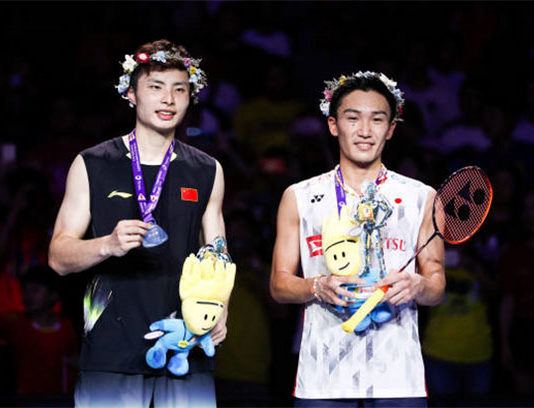Kento Momota captures the 2018 world badminton title. (photo: AFP)