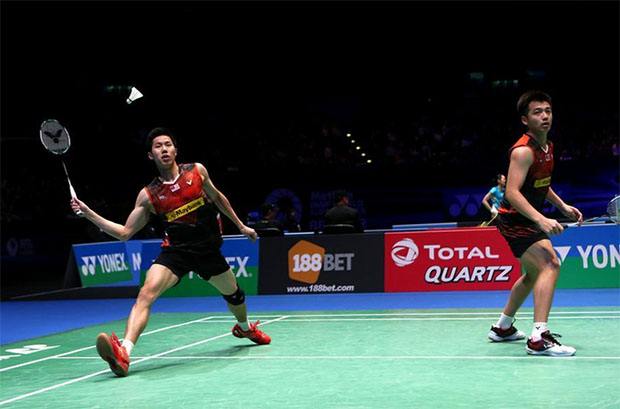 Goh V Shem/Tan Wee Kiong really need a new men's doubles coach. (photo: AFP)