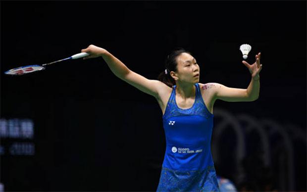 Zhang Beiwen shocks PV Sindhu of India in Denmark Open first round. (photo: AFP)
