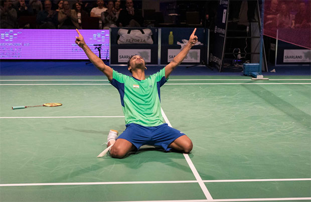 Subhankar Dey falls to his knees after beating Rajiv Ouseph in the SaarLorLux Open final. (photo: SaarLorLux Open)