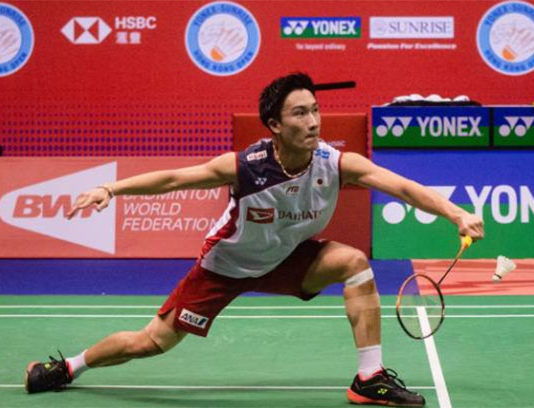 2018 is surely an amazing but tiring year for Kento Momota. (photo: AFP)