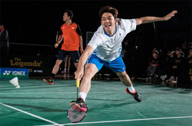 Hope everything will be fine for Lee Yong-Dae (white shirt). (photo: AFP)
