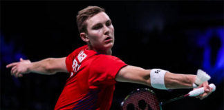 Viktor Axelsen scores the Trump match for Ahmedabad Smash Masters. (photo: AFP)